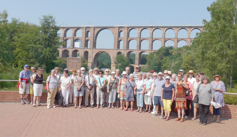 Gruppenfoto vor der Göltzschtalbrücke